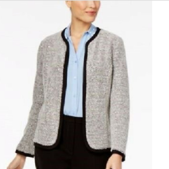 NY Collection Jackets & Blazers - Elegant looking blazer and fancy